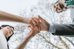Heiraten_Mit_Siegelring_Familienwappen_initialen